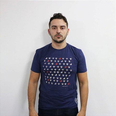 T-SHIRT ESCUDOS - AZUL MARINHO