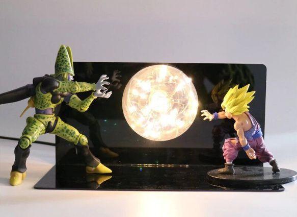 Estátua Cell VS. Gohan Super Saiyajin Com LED - Dragon Ball Z