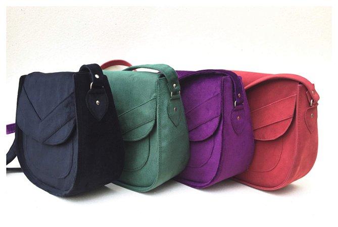 Bolsa tiracolo com bolso frontal