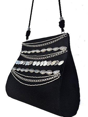 Bolsa tiracolo preta com aplicações