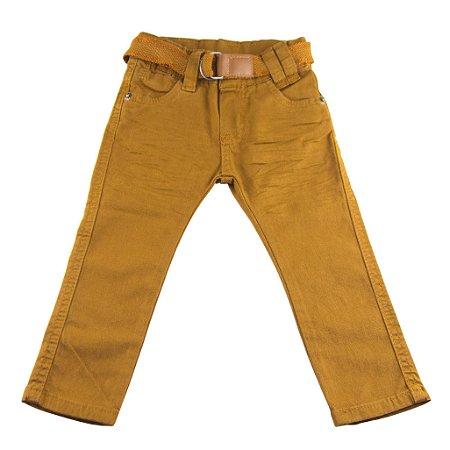 Calça jeans ferrugem com cinto