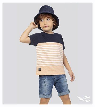 Camiseta infantil masculina com recorte