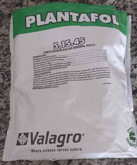 Fertilizante Plantafol  05.15.45 – Início e na época das flores das Rosas do Deserto 1 KG