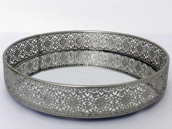 Bandeja rendada indiana similar prata - G
