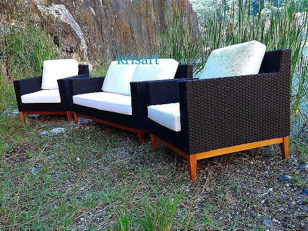 conjunto de sofá quadrado com rodapé em madeira cumarú