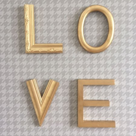 Letreiro Molduras Love