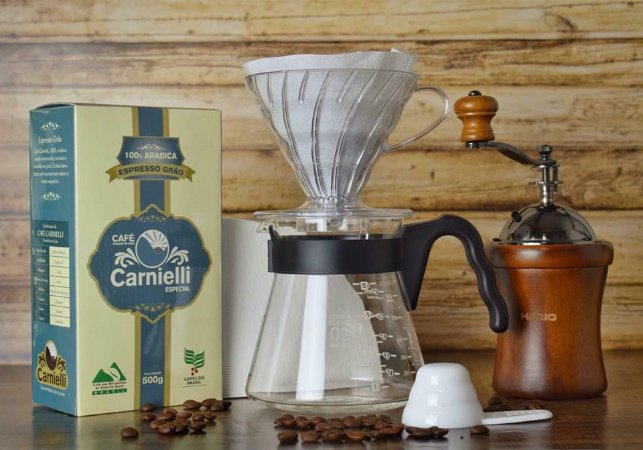Kit Hario v60 + Moedor Manual + Café Carnielli