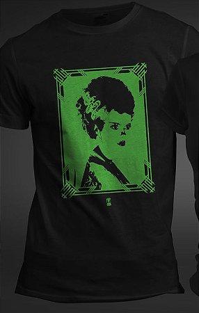 """Camiseta """"Presunção"""" (Noiva de Frankenstein) Tamanho G"""