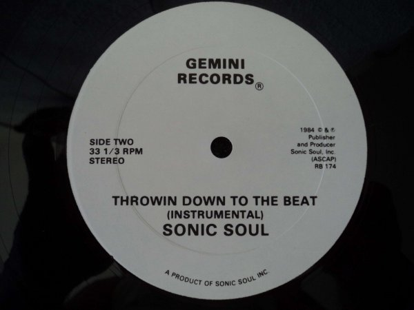 SONIC SOUL - THROW DOWN TO THE BEAT