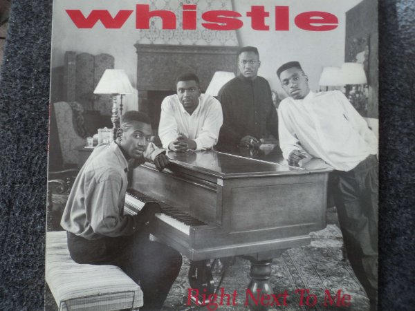 WHISTLE - RIGHT NEXT TO ME ( MÚSICA LENTA )