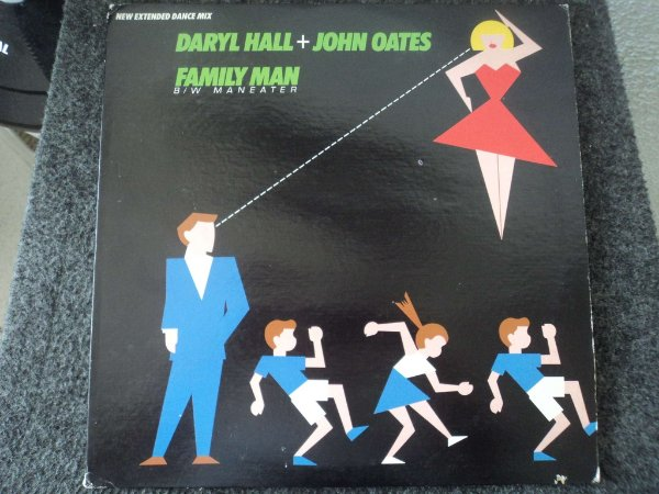 DARYL HALL+JOHN OATES -  MANEATER