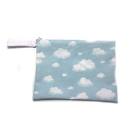 Saquinho impermeável para roupa suja - Nuvens