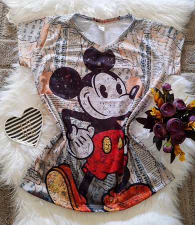 Camiseta Feminina Personagem No Atacado Mickey Fundo Jornal
