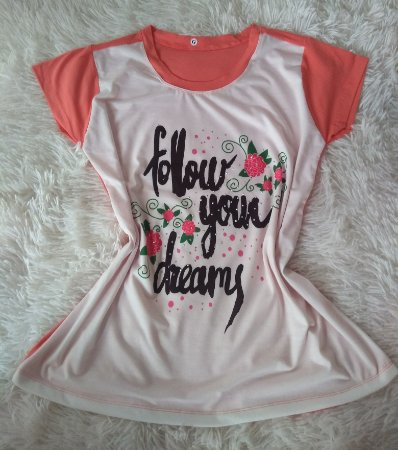 T-Shirt Feminina no Atacado Follow Your Dreams