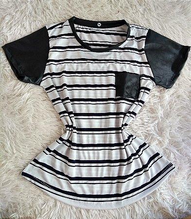 T Shirt Feminina Para Revenda Listrada Preto Branco Bolso