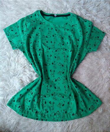T Shirt Feminina no Atacado Snoopy Fundo Verde
