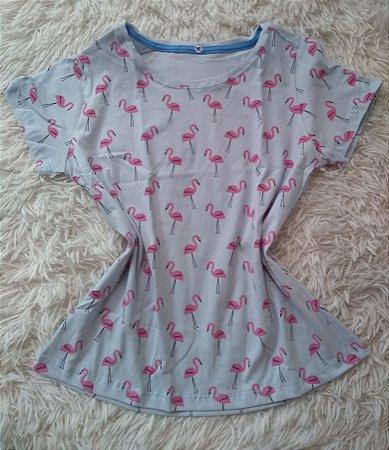 Blusa Feminina Para Revenda Flamingos Fundo Azul