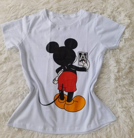 Blusa Feminina no Atacado Mickey Selfie Fundo Branco