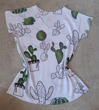 T Shirt Feminina no Atacado Fundo Cactos