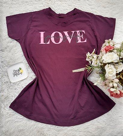 Camiseta  No Atacado Love Vinho