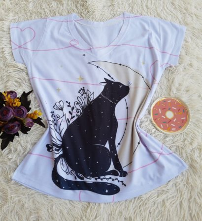 T-shirt Feminina Gata Luar