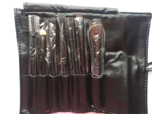 Kit com 7 pincéis com case - preto