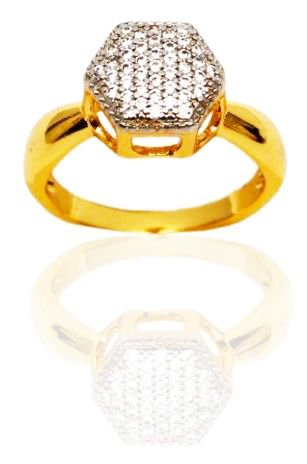 Anel chuveiro sextavado cravejado com zircônias cristal folheado a ouro 18k