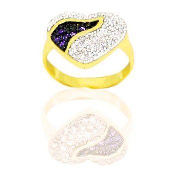 Anel coração cravejado com zircônias cristal e lilás folheado a ouro 18k