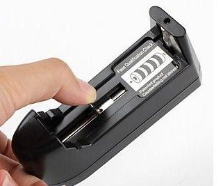 Carregador Bateria 18650 14500 Lanterna Tatica Police Bivolt