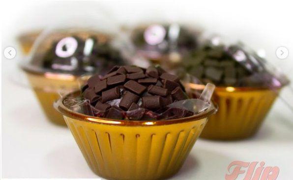 Candy cup com tampa transparente - pacote com 24 unidades