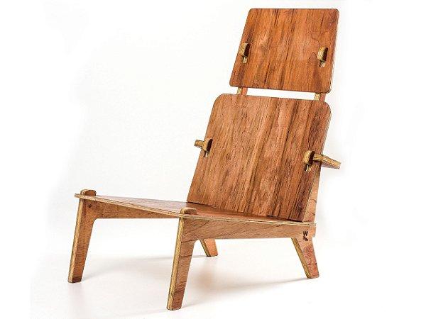 Cadeira Netuno com Encosto de Cabeça