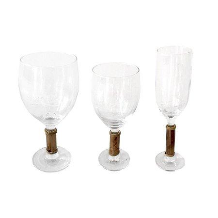 Trio de Taças de Vidro com Pé em Bambu