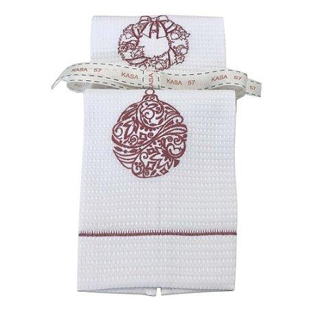 Kit de Natal: 2 toalhas lavabo bordadas guirlanda e bola vermelha