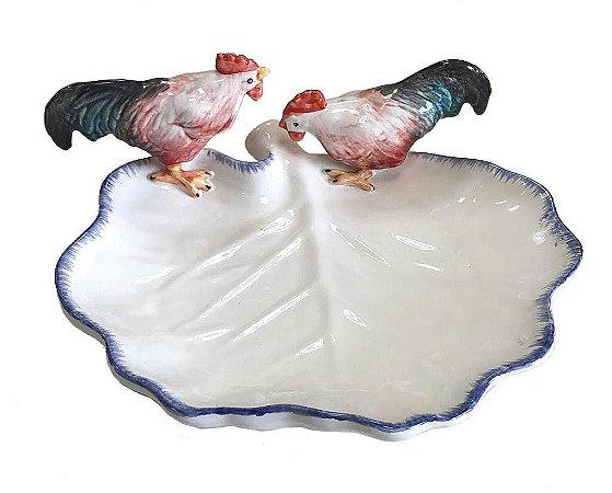 Prato folha branca com galinhas