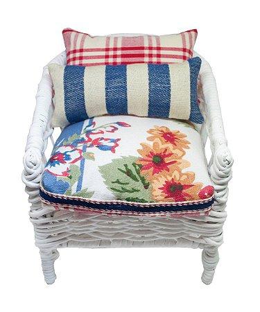 Mini cadeira decorativa de junco branca