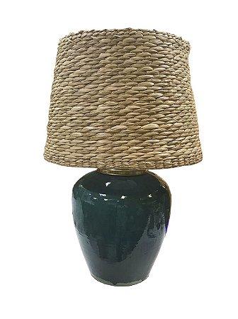 Abajur verde com cúpula de taboa