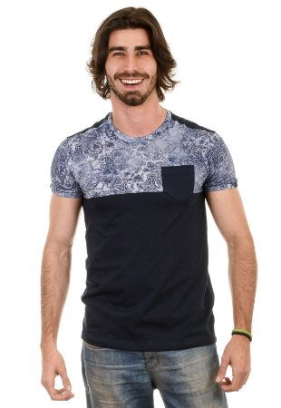 Camiseta Com Recorte, Bolso e Estampa Floral