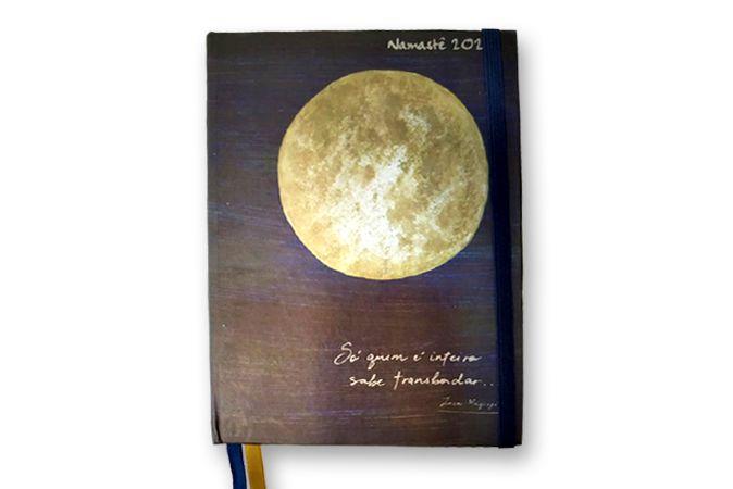 Capa Lua Costurada