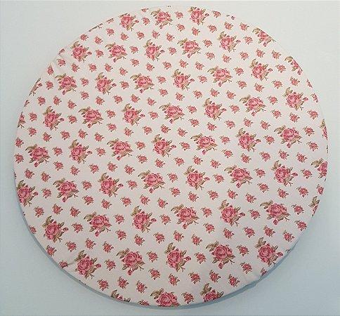 Capa de tecido para sousplat flor rosa com fundo creme