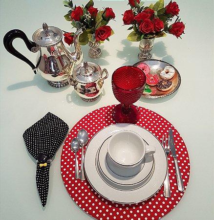 Capa de tecido para sousplat fundo vermelho com bolinhas brancas