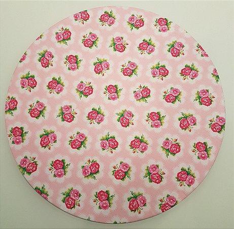 Capa de tecido para sousplat fundo rosa claro com rosas pink e rosa