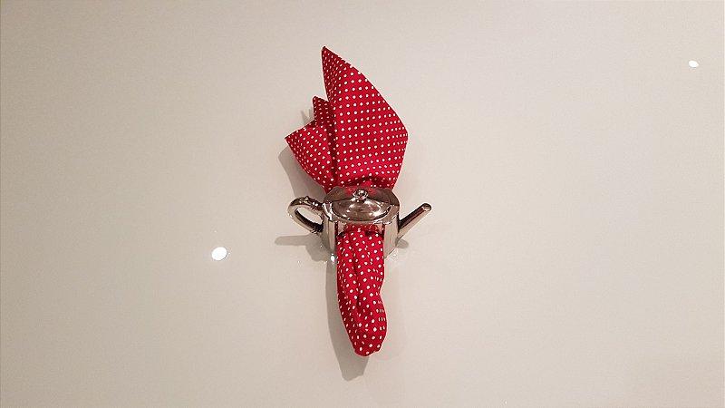 Guardanapo vermelho com poa branco