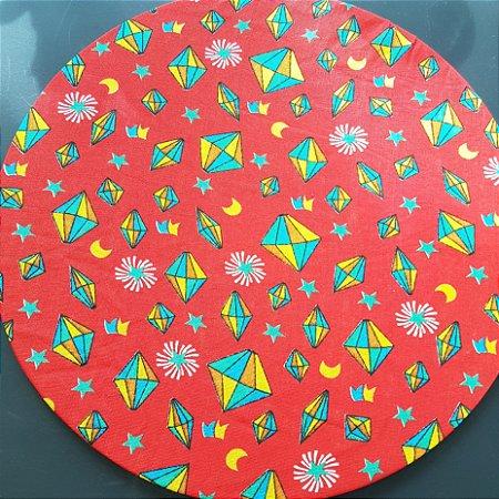 Capa tecido de chita vermelho com balão amarelo