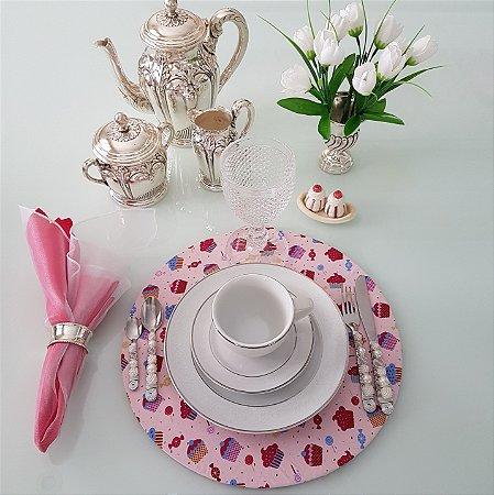 capa de tecido sousplat docinhos pink com fundo rosa e pirulitos