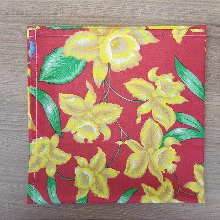 Guardanapo de tecido algodão 42cm vermelho com flores amarelas e azuis
