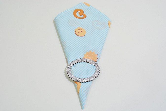 Guardanapo fundo xadrez azul bebe  com desenhos de biscoitos