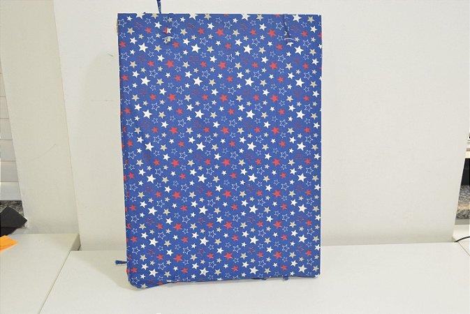 Bandeja de MDF fundo azul com estrelas