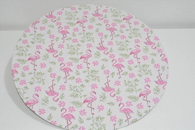 capa sousplat fundo branco com flamingos  e florzinhas rosa