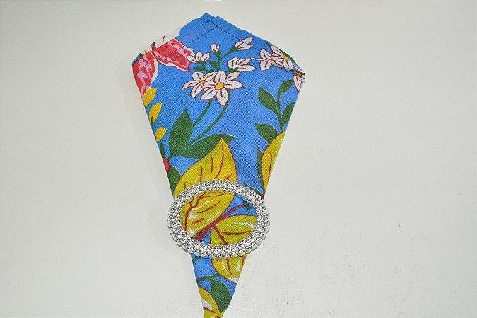 guardanapo fundo azul claro com flores
