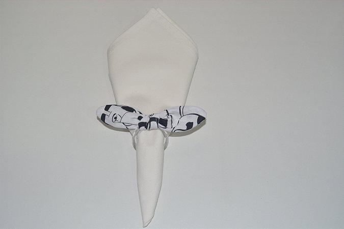 Porta Guardanapo de tecido fundo vaquinha preto e branco